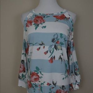 Tops - Summer flower top, size large